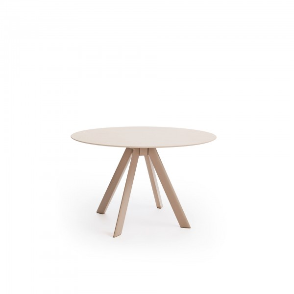 Atrivm outdoor round dining table - Lifestyle