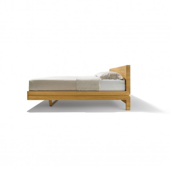 Float bed - wooden headboard - Image 1