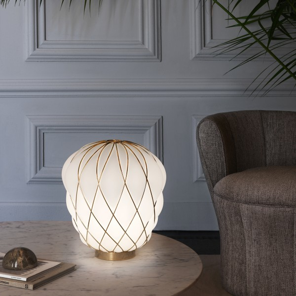 Pinecone table lamp - Lifestyle