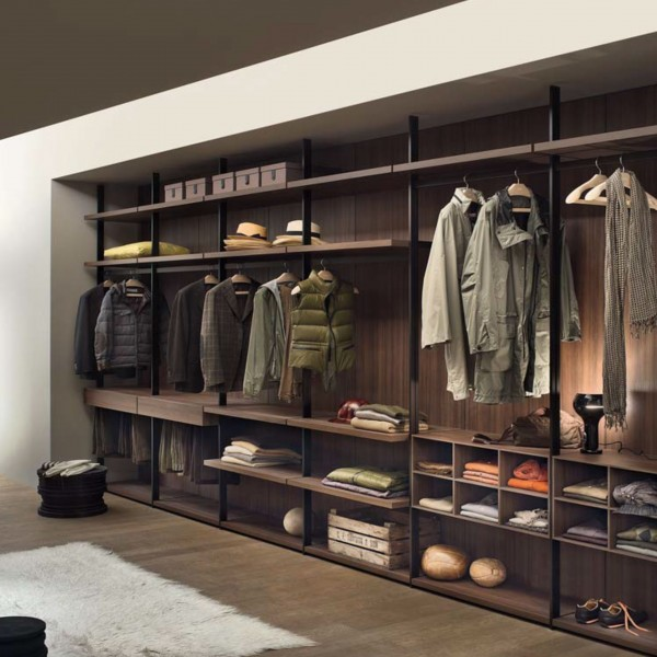 Hangar walk in closet - Lifestyle