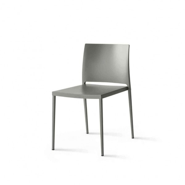 Toa Chair - Lifestyle