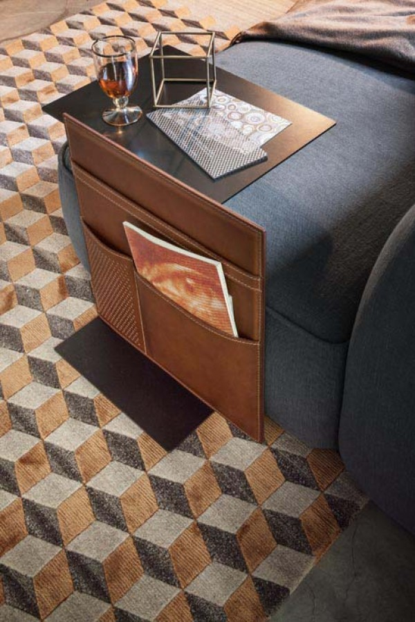 Note side table - Image 1