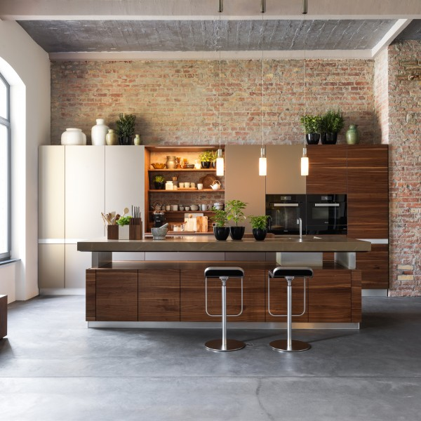 K7 kitchen island - Image 1