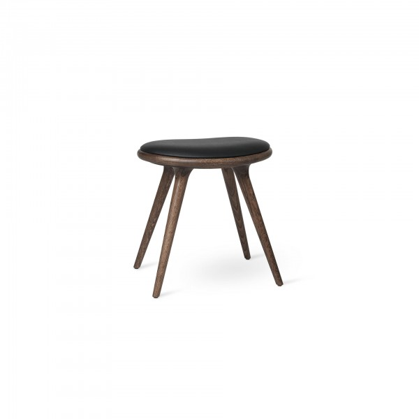 Low Stool Dark stained oak - Lifestyle