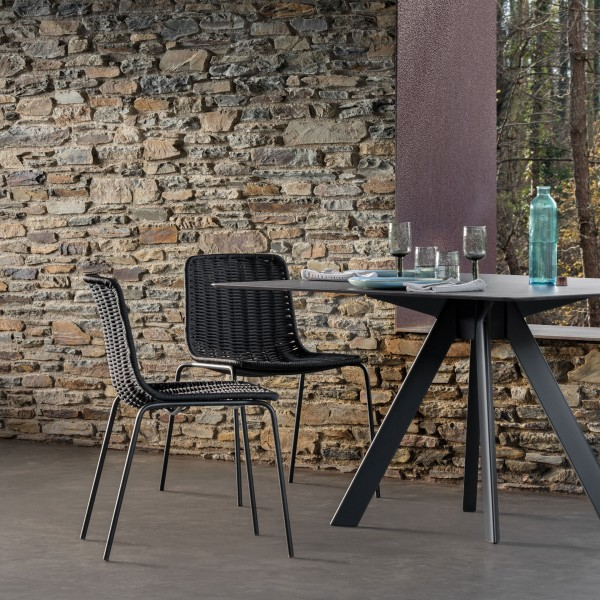 Atrivm outdoor round dining table - Image 2