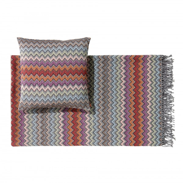 William Throw & Cushion - Lifestyle