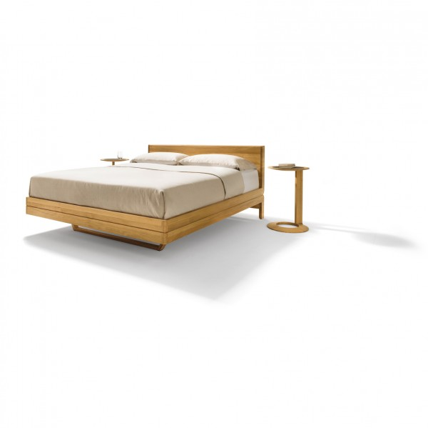 Float bed - wooden headboard - Lifestyle