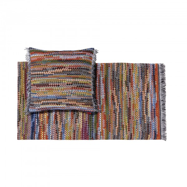 Venere Throw Blanket and Cushion - Lifestyle