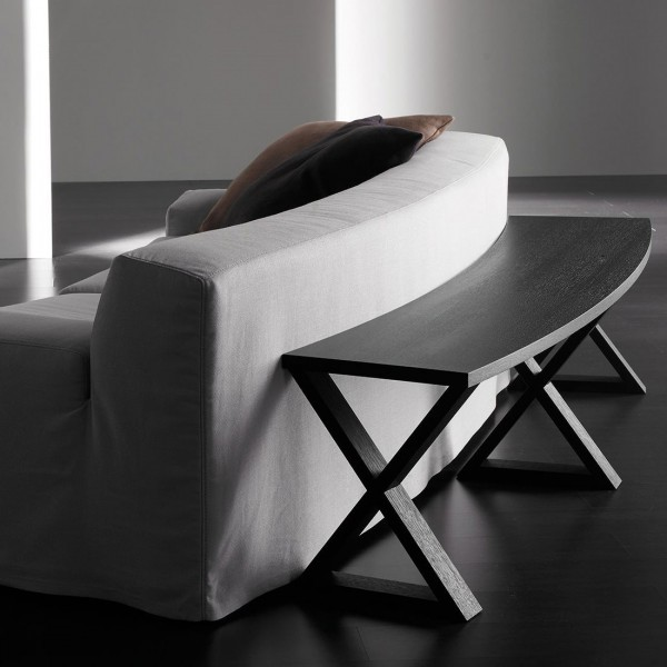 Cruis Curved console table - Lifestyle