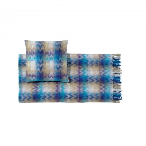 Montgomery Throw Blanket and Cushion - Image 2