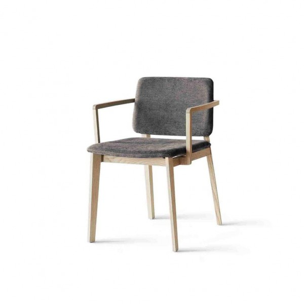 Hati Chair - Lifestyle